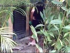 Brasileira safada fudendo na rua