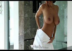 Coroas safadas no pornô fodendo com bem dotado