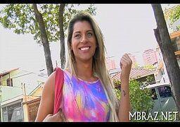Loira em filme pornor brasileiro sendo fodida
