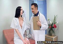 Medico fodendo novinha gostosinha no x vídeo