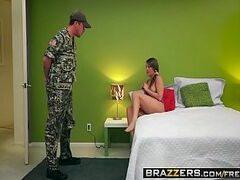 Xvideo novinha rabuda transando com um militar
