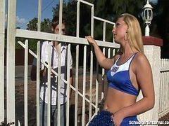 Novinhas patricinha chega da escola e leva pistolada na xoxota