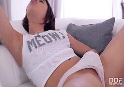 Sexo gostoso com moreninha no xvideosporno