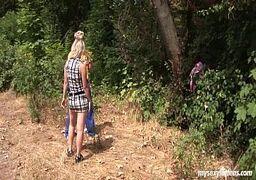 Video porno meninas peladas linda novinha loira fazendo sexo no bosque