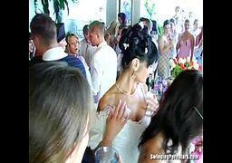 dando a buceta na festa do casamento em publico