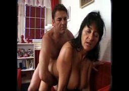 Porno amador com a madura safada fudendo com o dotado