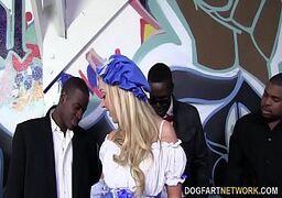 Videos de sexo com loira na suruba