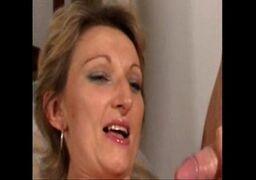 sexo gostoso com a mãe madura e amadora cheia de tesão