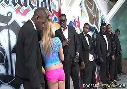 video de sexo com novinha na suruba