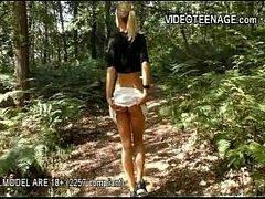 4tube com jovem de 18 aninhos tomando pau duro na xereca no meio do mato