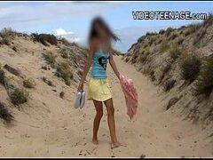 Porntube online de vídeos porno gratis com uma ninfetinha bem novinha de dezoito aninhos peladinha na praia