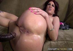 Video pornográtis de sexo com a vizinha muito deliciosa e bem tarada cheia de tesão