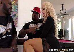 Videos de sexo com garota gostosa dando pra dois negros roludos