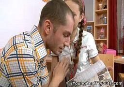 Cine novinhas putinha muito linda e trepando com o macho de sorte e tesão