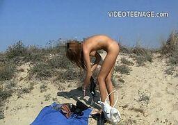Novinha batendo siriirca na praia ate gozar