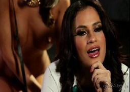 Abigail Mac chupando a buceta famosa da Vanessa Veracruz