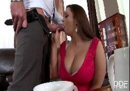 Filmes de sexo BBW pagando um boquete guloso