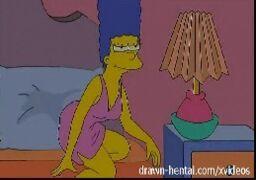 Lesbicas Hentai – Marge Simpson fode com sua amiga tesuda