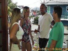 Brasileiras casadas peladas fazendo troca de casais