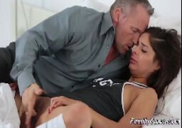 Fotos de meninas peladas fazendo sexo com papai