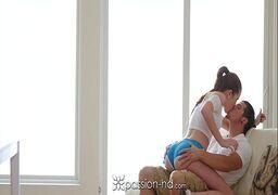 Novinha bunduda se acabando em um sexo bem gostoso