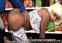 Sexo em publico no supermercado com o cliente dotado e sacana