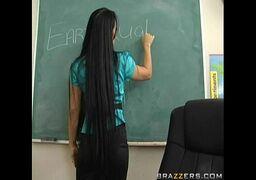 Pornohub professora tesuda dando a xereca pro seu melhor aluno depois da aula