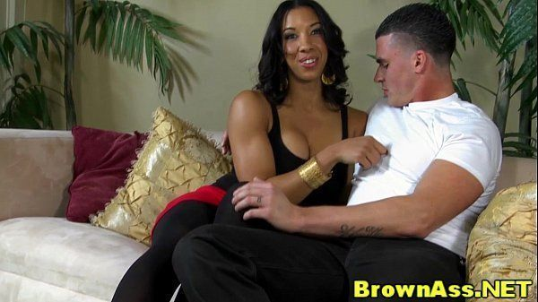 Porno mulata linda metendo gostoso com o amigo pirocudo