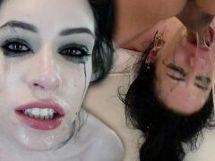 Porn samba vadia tatuada em uma trepada completa com o amigo
