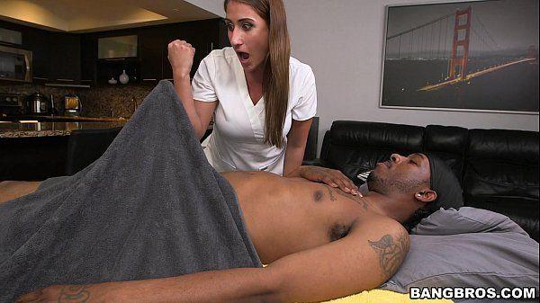 Sexo samba massagista linda mamando gostoso na rola gigante