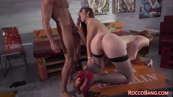 Videos de sexo hd com essas duas safadinhas fazendo anal
