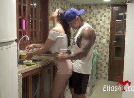 X videos gratuito ninfeta linda fazendo sexo na cozinha
