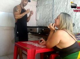 Brasileira pedindo pra gozar na boca dela