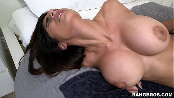 Videos porno de mia khalifa gostosa mamando e levando vara