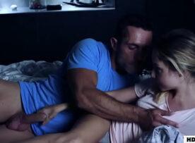 Xnxx pai fodendo a sua filha novinha gostosa